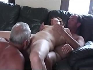 Cuckold trio in action