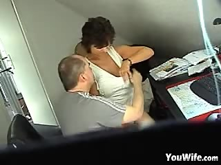 Amateur Mature German Cuckold Wife